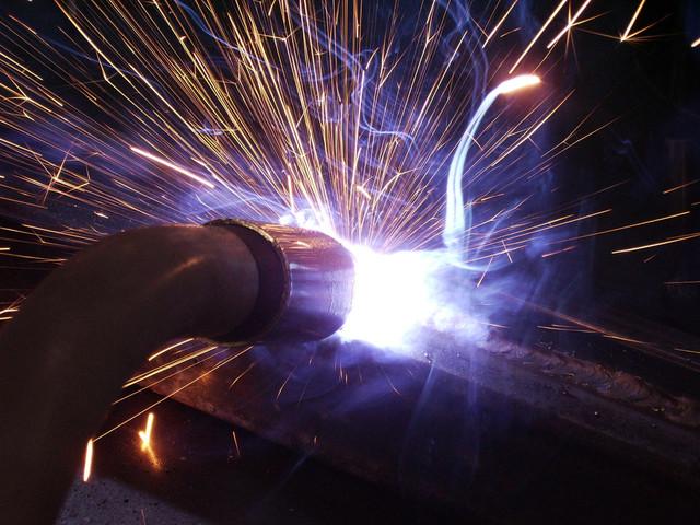 welding-torch-1230055-640x480 (1)